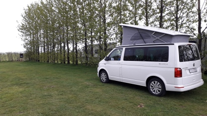 Camper Van in campeggio