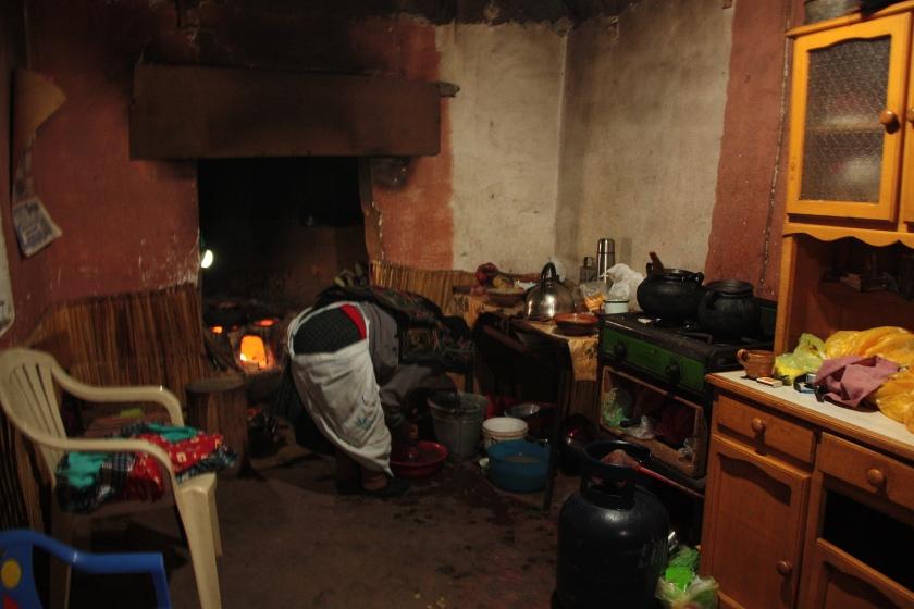 cucina sul'isola amantani lago titicaca