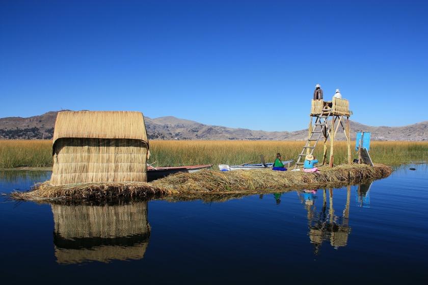 isola degli uros sul lago titicaca
