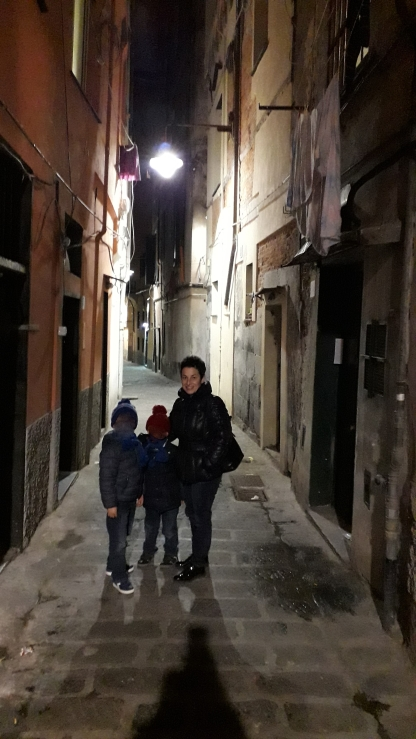 Caruggi di Genova di notte