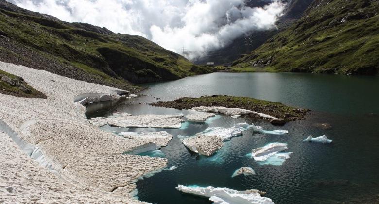 Iceberg nel lago naturale del Barbellino