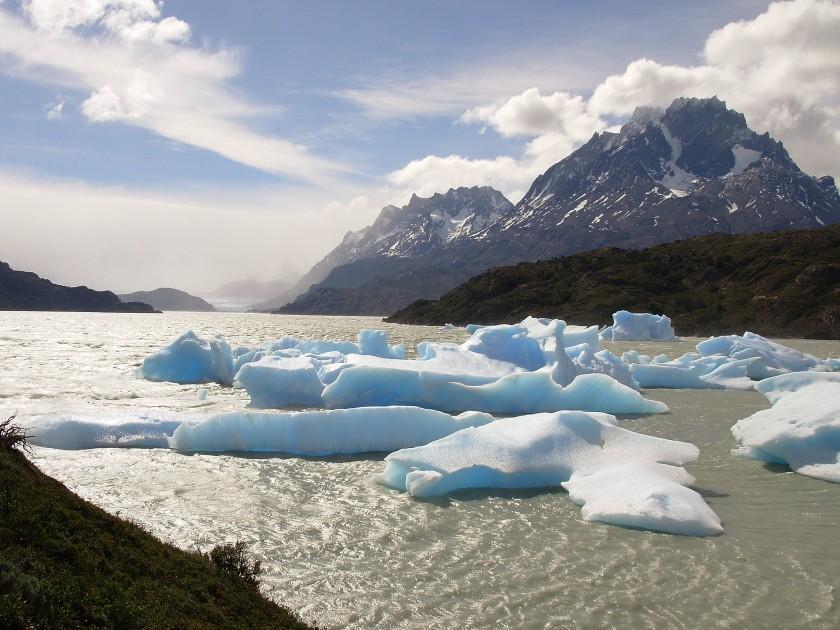 Iceberg sul lago Grey