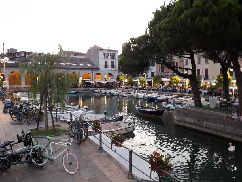 Piazza a Desenzano del Garda