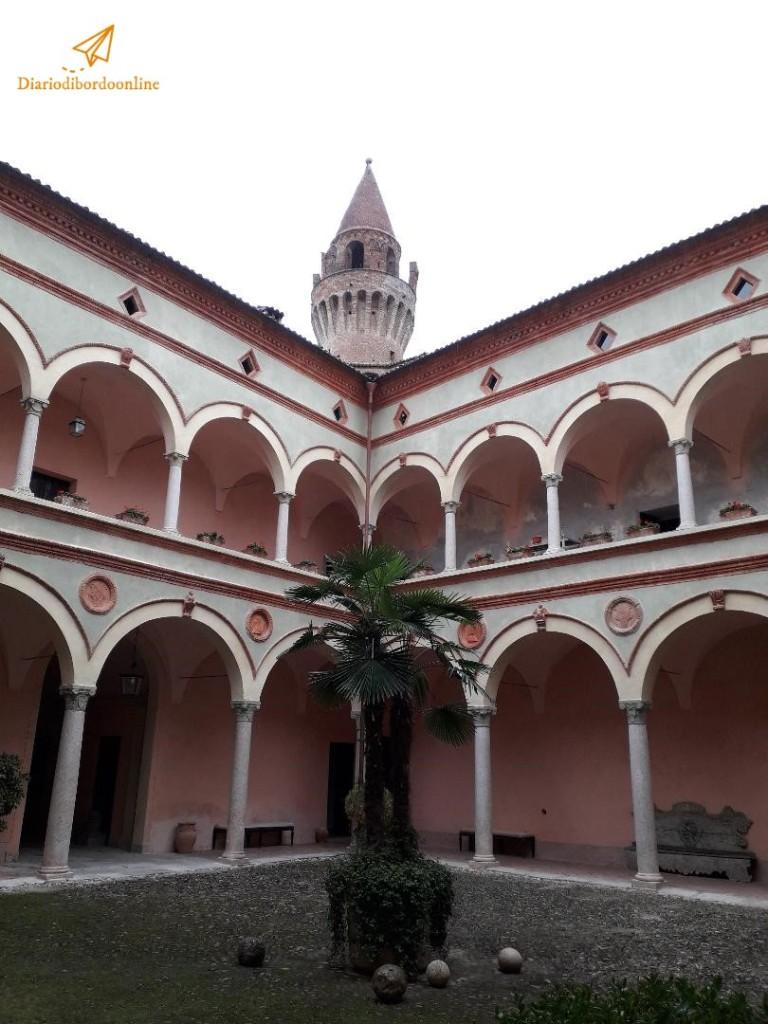 Cortile del Castello di Rivalta
