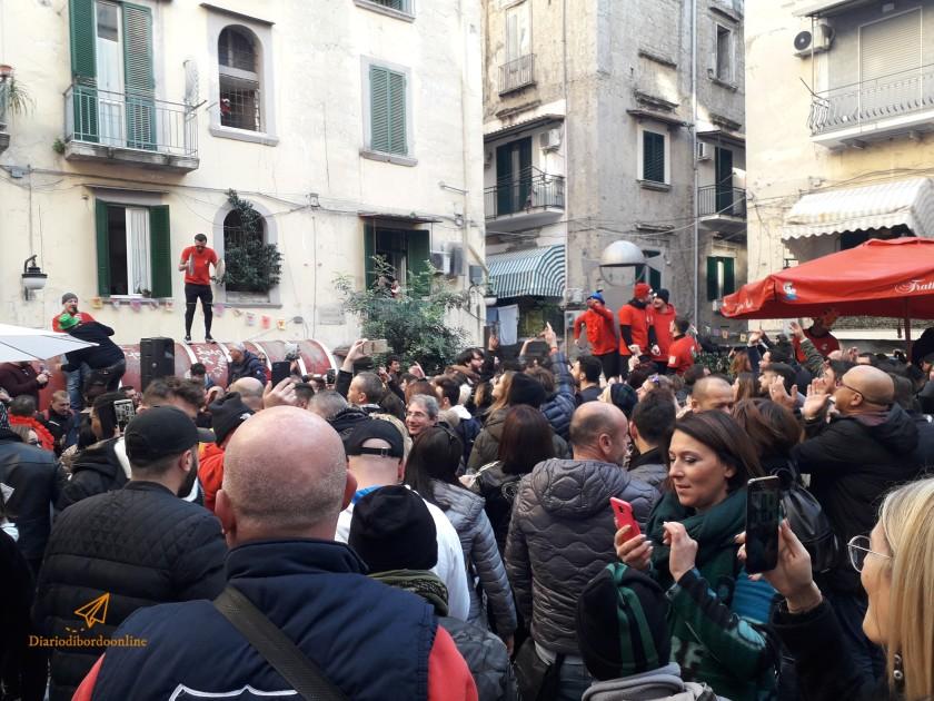 Festa in strada nei quartieri spagnoli