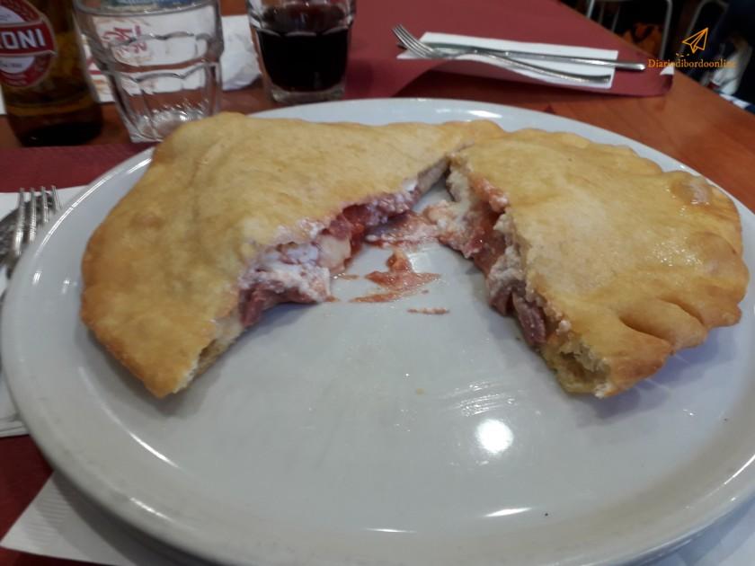 Pizza fritta a Napoli